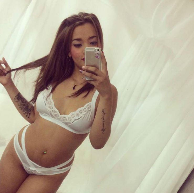 Isabelle King selfie